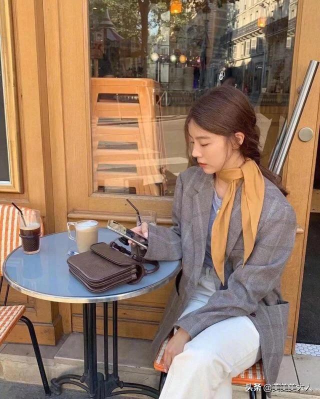 12 gợi ý lên đồ ngày se lạnh như gái Hàn, vừa xinh còn lên ảnh sống ảo bắt mắt ra trò - Ảnh 3.
