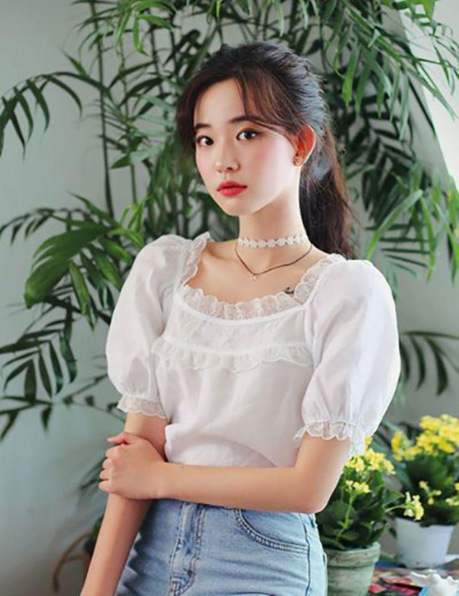 Những mẫu áo blouse cho mùa hè năng động