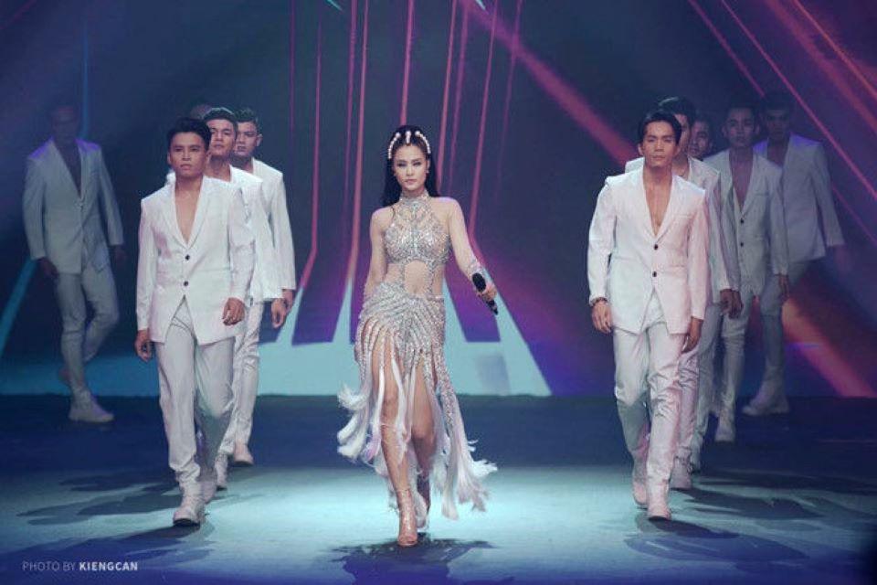 Điểm danh những sao Việt dính nghi án đạo nhái thời trang quốc tế