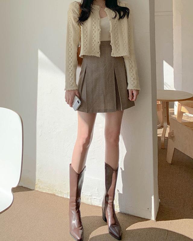 11 công thức váy + boots rõ xinh, các nàng ghim ngay để từ giờ đến cuối năm luôn mặc đẹp - Ảnh 4.