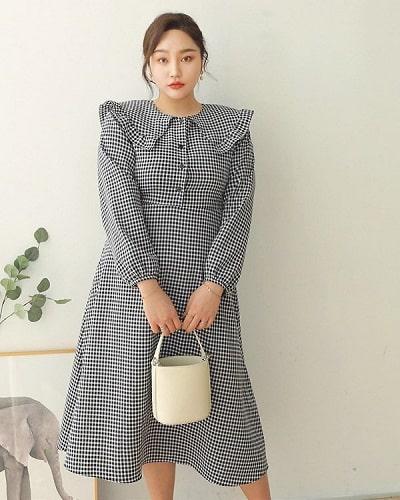 Váy liền thân dáng chữ A sẽ giúp các nàng có thân hình mũm mĩm trở nên thon gọn hơn