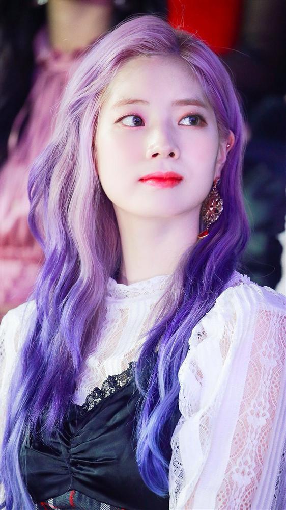 Mỹ Tâm - Hari Won - Quỳnh Anh Shyn đu trend tóc tím lấn át dàn nghệ sĩ Hàn - Ảnh 7.