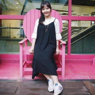 Váy yếm suông dài màu đen