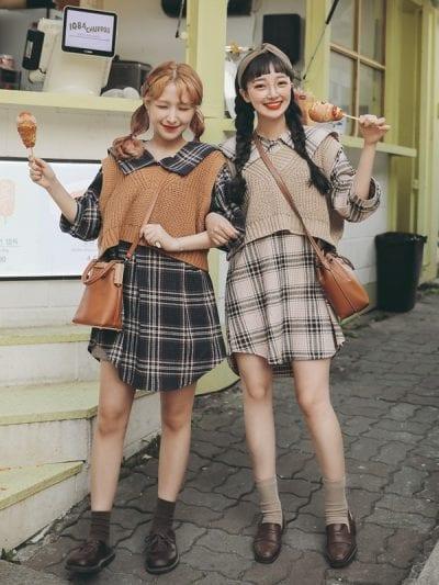Giày Oxford kết hợp với váy kẻ và áo Gile len là sự lựa chọn tuyệt vời cho các cô nàng theo phong cách Vintage