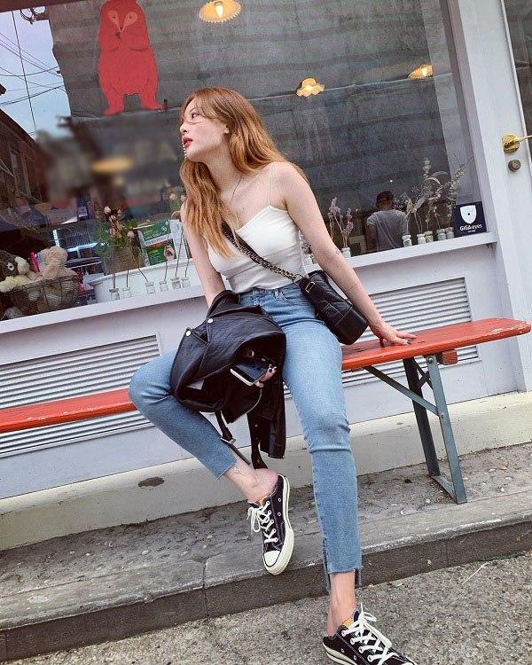 Sao Hàn diện kiểu quần jeans tưởng lỗi mốt mà vẫn đẹp lạ, nàng nhìn là muốn học theo ngay - 7