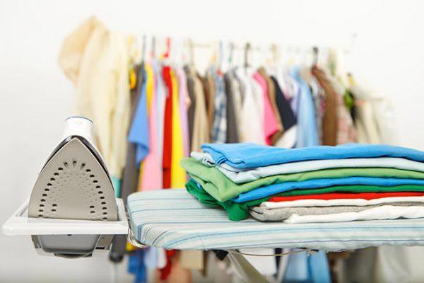 Cách giặt quần áo mới không phai màu