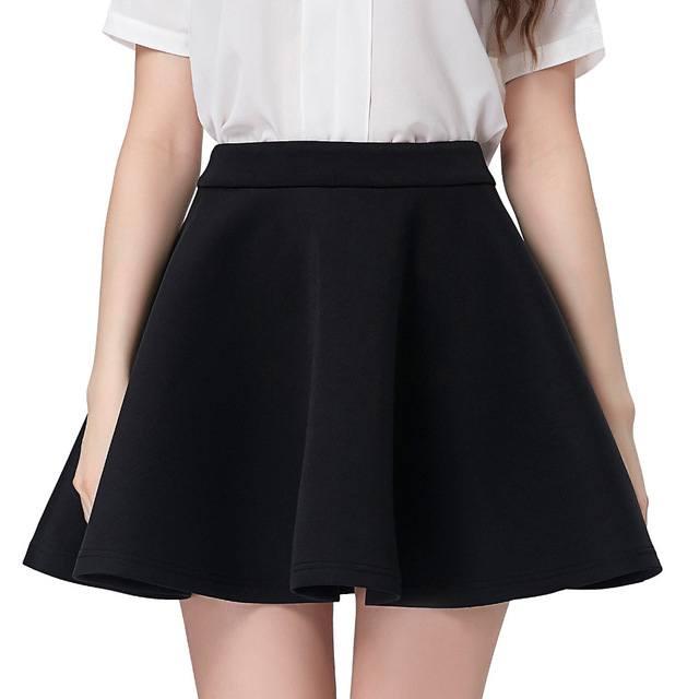 chân váy xòe màu đen mặc với áo gì