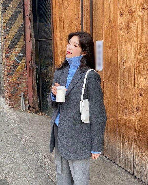 Kết hợp blazer với 4 kiểu áo này, nàng mặc đơn giản mấy cũng đẹp bất chấp trong mùa lạnh - 5