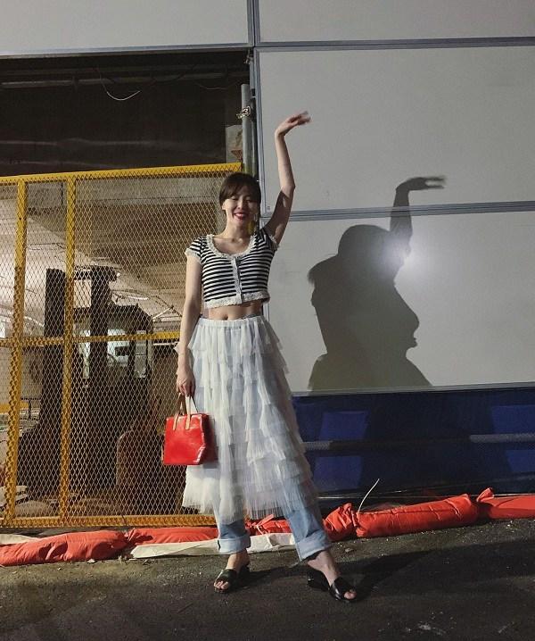 """Ăn mặc xuề xòa khó hiểu, """"nữ hoàng gợi cảm"""" xứ Hàn đánh mất danh hiệu biểu tượng thời trang - 10"""