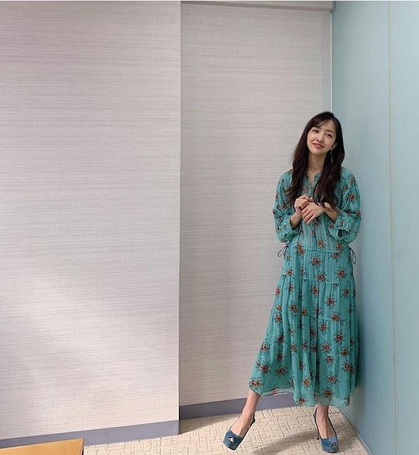 Chỉ cao mét rưỡi, nữ ca sĩ Nhật Bản vẫn diện ngon ơ các món hội chân ngắn e ngại - 5