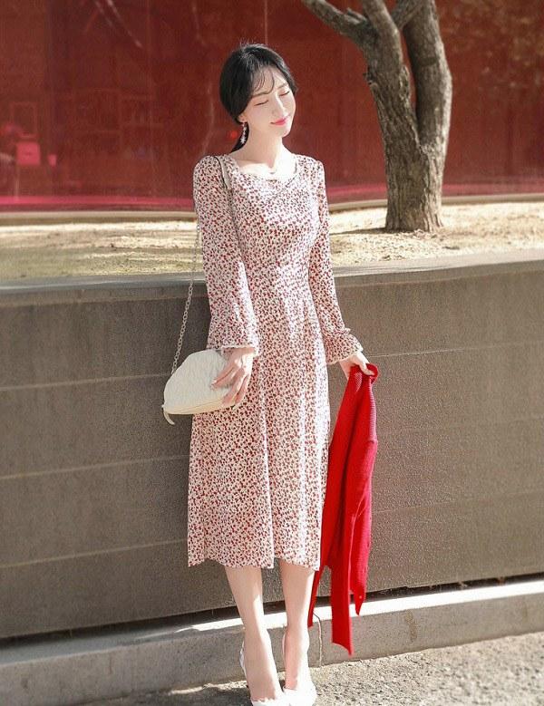 Chẳng cần sắm đồ mới, nàng diện lại mấy mẫu váy liền này là vẫn hợp mốt trong năm 2021 - 12