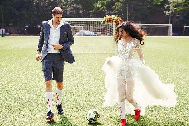 Từ món thời trang bị chê không hợp, giày sneakers giờ là amp;#34;bá chủamp;#34; tại lễ cưới hỏi - 9