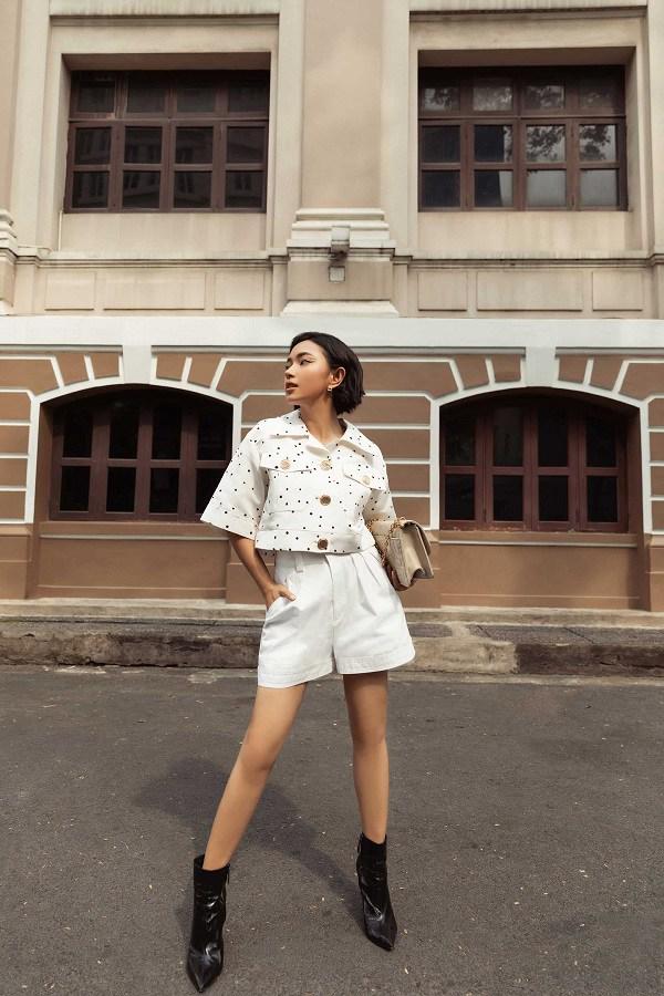 Những mẫu quần trắng tôn dáng lại dễ phối đồ, nàng diện đi chơi dịp lễ là chuẩn xinh - 3