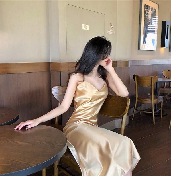 4 mẫu váy hai dây vừa xinh vừa mát, các nàng sắm nhanh còn kịp kỳ nghỉ lễ - 10