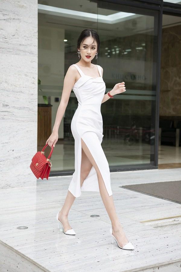 4 mẫu váy hai dây vừa xinh vừa mát, các nàng sắm nhanh còn kịp kỳ nghỉ lễ - 14