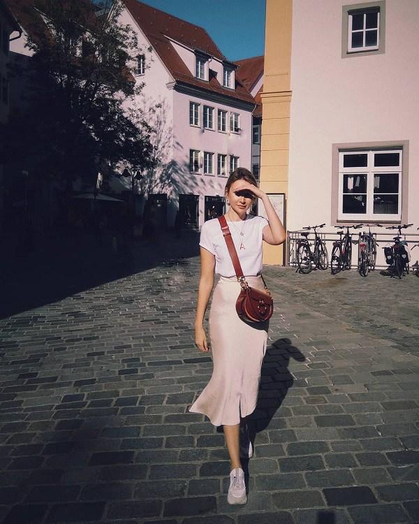 5 kiểu chân váy cứ diện cùng áo phông là đẹp mê, nàng lưu ngay để style thêm sành điệu - 16
