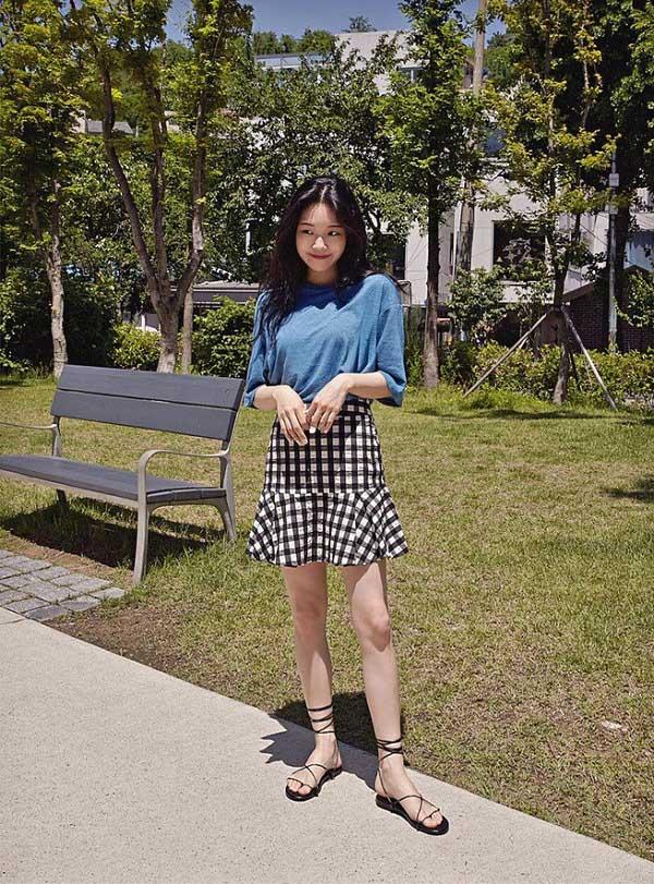 Phối chân váy ngắn với 4 kiểu giày dép này, nàng sẽ ghi điểm tuyệt đối vì style sành điệu - 7