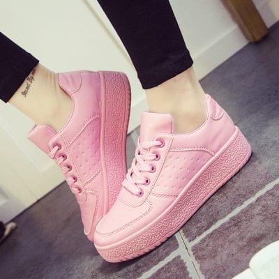 Phối đồ dễ dàng hơn cùng giày thể thao màu hồng