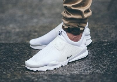 Sneakers không dây