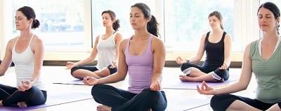 Yoga là nơi dành cho các bộ đồ có độ đàn hồi cao để giúp bạn có những trải nghiệm thư thái nhất