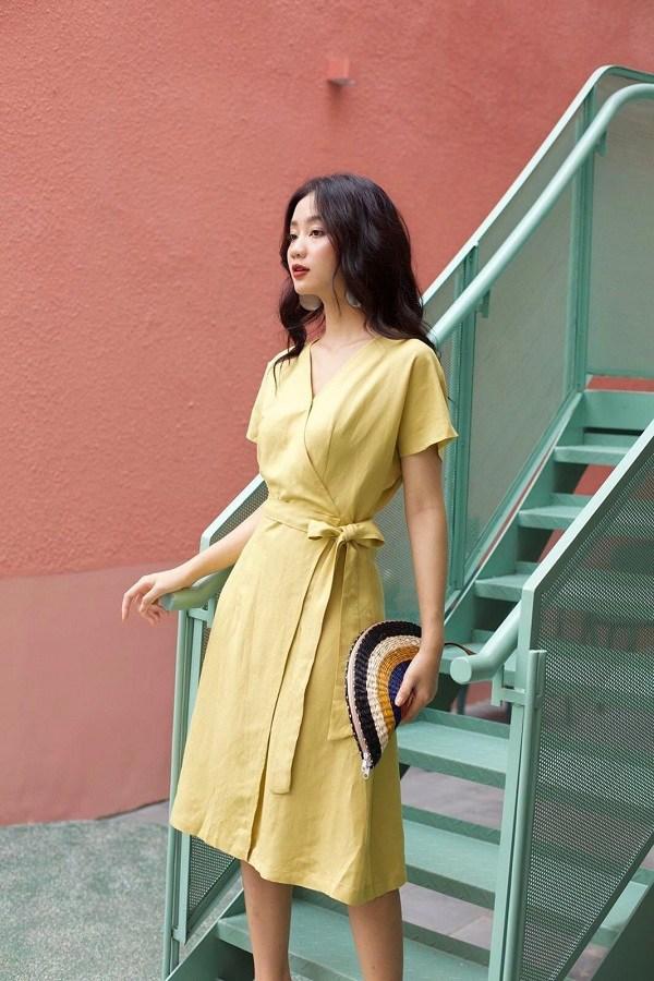 Kiểu trang phục thoáng mát cứ đến hè là phủ sóng mạnh mẽ, nàng sành mốt không thể bỏ qua - 1