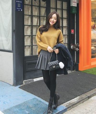 Tự tin xuống phố cùng áo cánh dơi mix chân váy xòe