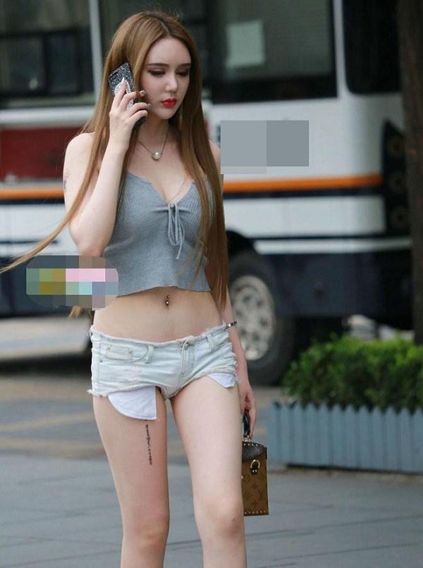 Cứ mặc kiểu quần short jeans amp;#34;thị phiamp;#34; này, chị em dễ mắc lỗi hớ hênh nơi công cộng - 8
