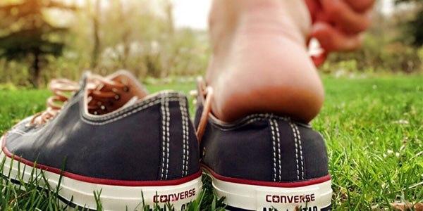 7 sai lầm khi lựa chọn giày dép mùa hè ai cũng mắc phải - 4