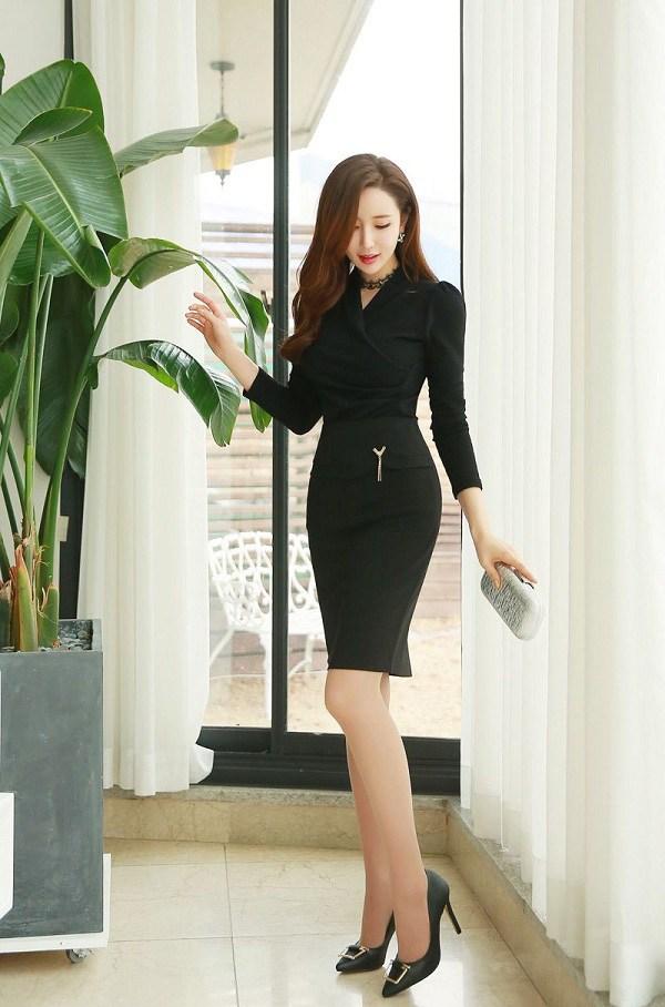 Với 4 mẫu giày cơ bản này, nàng ngoài 30 sẽ xinh đẹp và cuốn hút trong mọi hoàn cảnh - 4