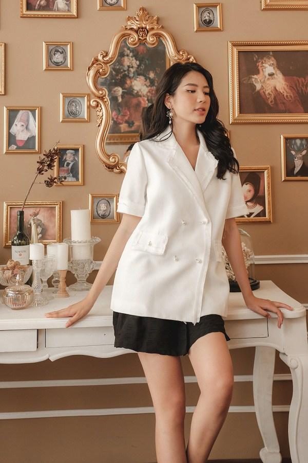 Chẳng cần mua đồ đắt tiền, 4 kiểu áo này đủ amp;#39;amp;#39;sang chảnh hoáamp;#39;amp;#39; phong cách của chị em - 8