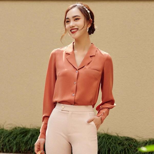 Chẳng cần mua đồ đắt tiền, 4 kiểu áo này đủ amp;#39;amp;#39;sang chảnh hoáamp;#39;amp;#39; phong cách của chị em - 14