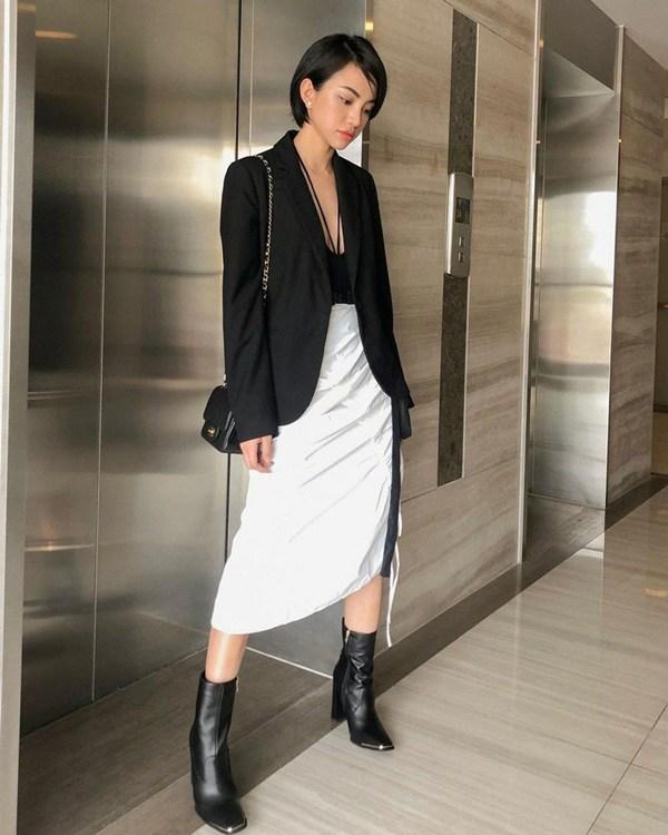Chỉ mất hơn trăm nghìn mua một chiếc chân váy trắng, nàng tha hồ phối nhiều set đồ sang xịn - 9