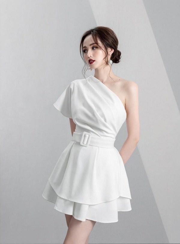 Chỉ mất hơn trăm nghìn mua một chiếc chân váy trắng, nàng tha hồ phối nhiều set đồ sang xịn - 10