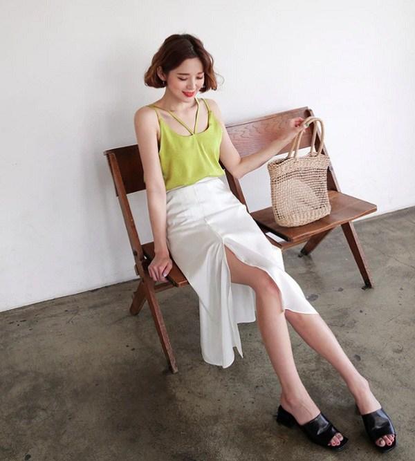 Chỉ mất hơn trăm nghìn mua một chiếc chân váy trắng, nàng tha hồ phối nhiều set đồ sang xịn - 13