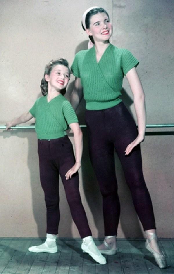 Trào lưu mặc đồ đôi cùng con đã có từ xưa, đẹp đến độ mẹ bỉm hiện đại bái phục - 3