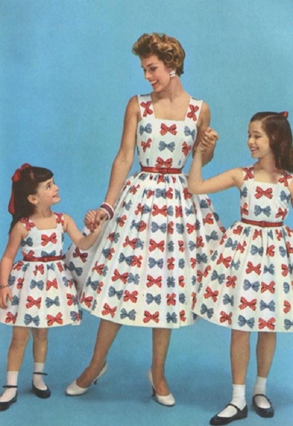Trào lưu mặc đồ đôi cùng con đã có từ xưa, đẹp đến độ mẹ bỉm hiện đại bái phục - 11