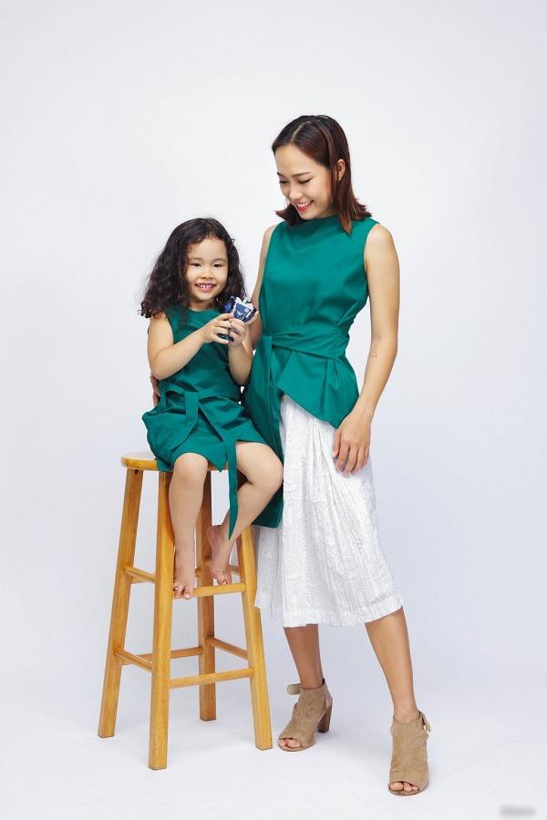 Trào lưu mặc đồ đôi cùng con đã có từ xưa, đẹp đến độ mẹ bỉm hiện đại bái phục - 16
