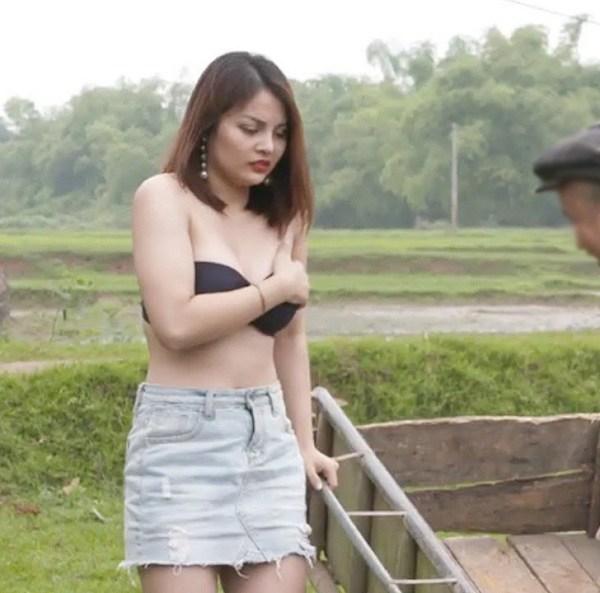 Đỏ mặt trước những kiểu trang phục hớ hênh trong phim Việt, khán giả xem cũng phải bức xúc - 8
