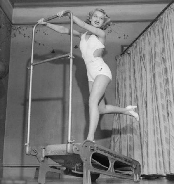 Ngày nay chị em tập thể thao diện sexy, đâu ngờ 100 năm trước cồng kềnh, kín hết cỡ - 5