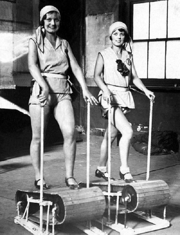 Ngày nay chị em tập thể thao diện sexy, đâu ngờ 100 năm trước cồng kềnh, kín hết cỡ - 8